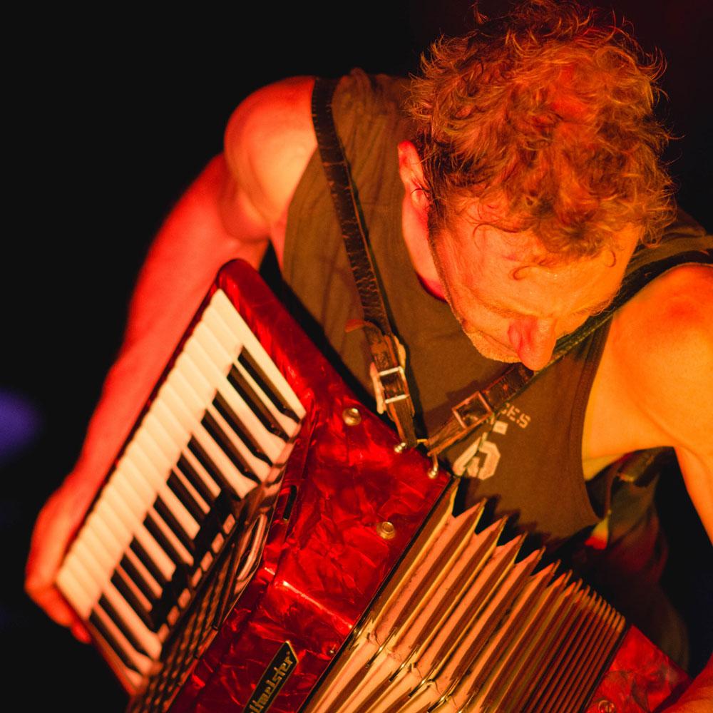 keith chanteur et accordéoniste